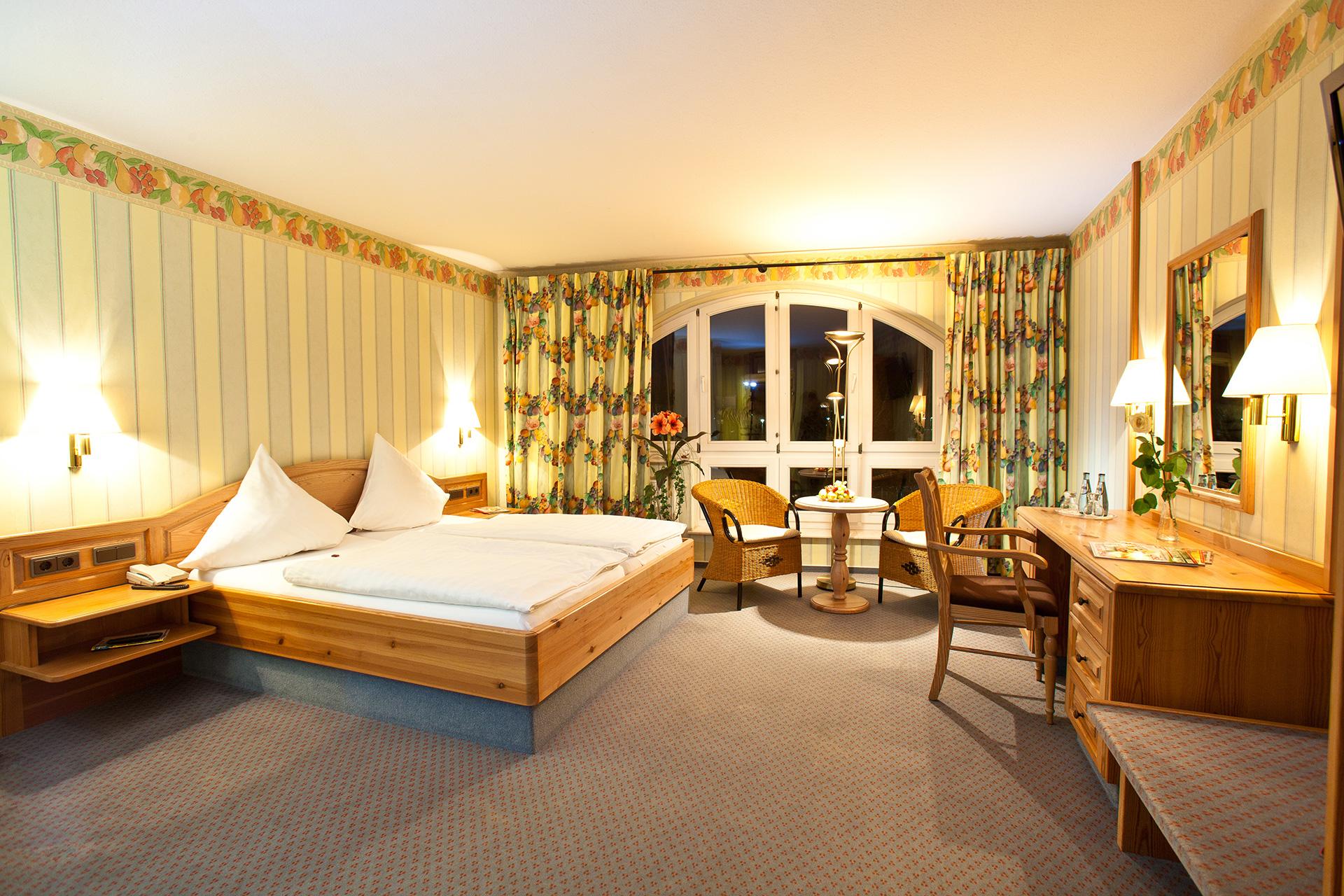 Hotel-Zimmer mit schöner Beleuchtung
